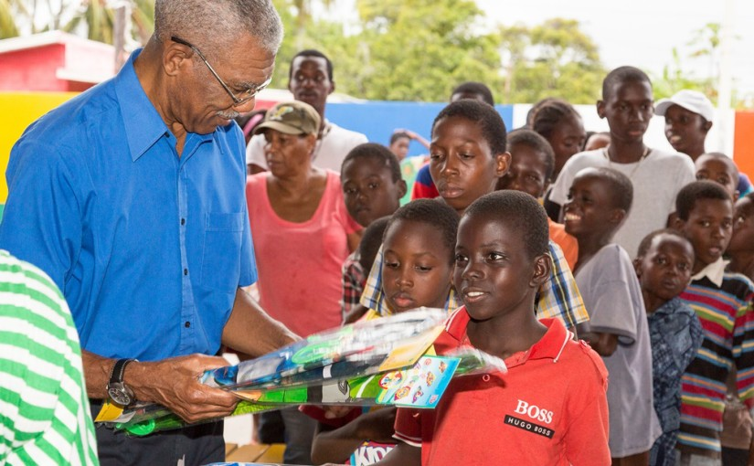 Granger shares kites to children of Friendship